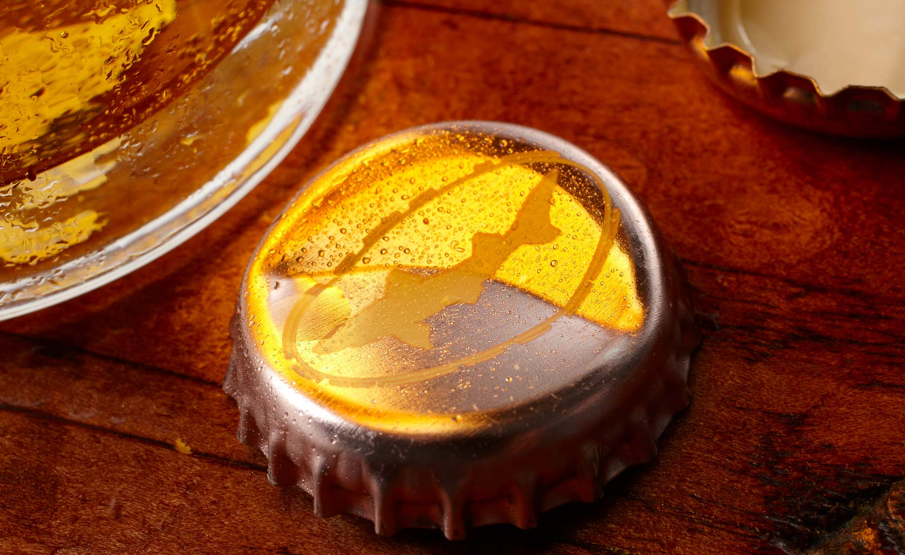 beverage-pour-splash-photographers-beer-bottle-cap-06