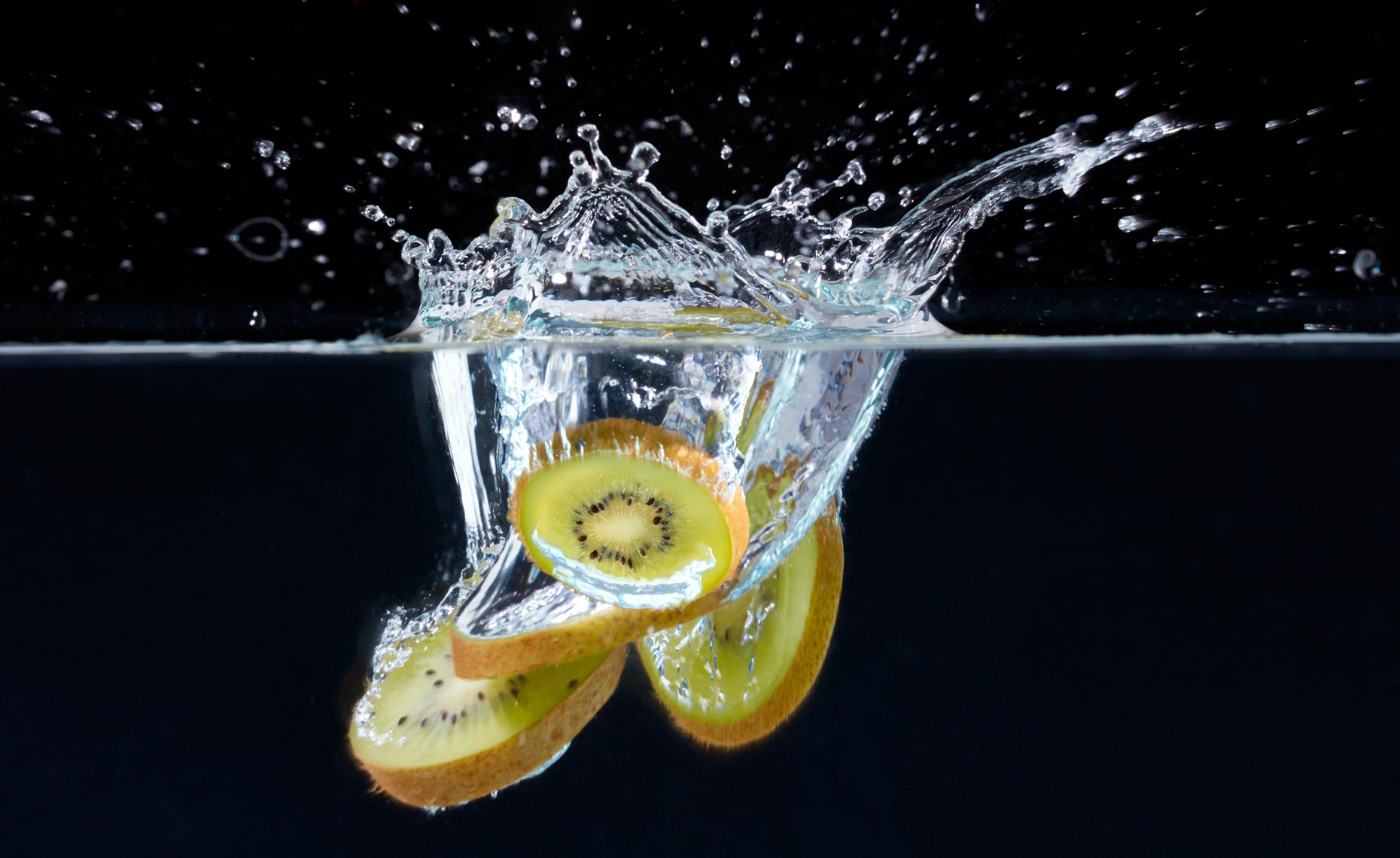 beverage-pour-splash-photographers-kiwi-splash-19