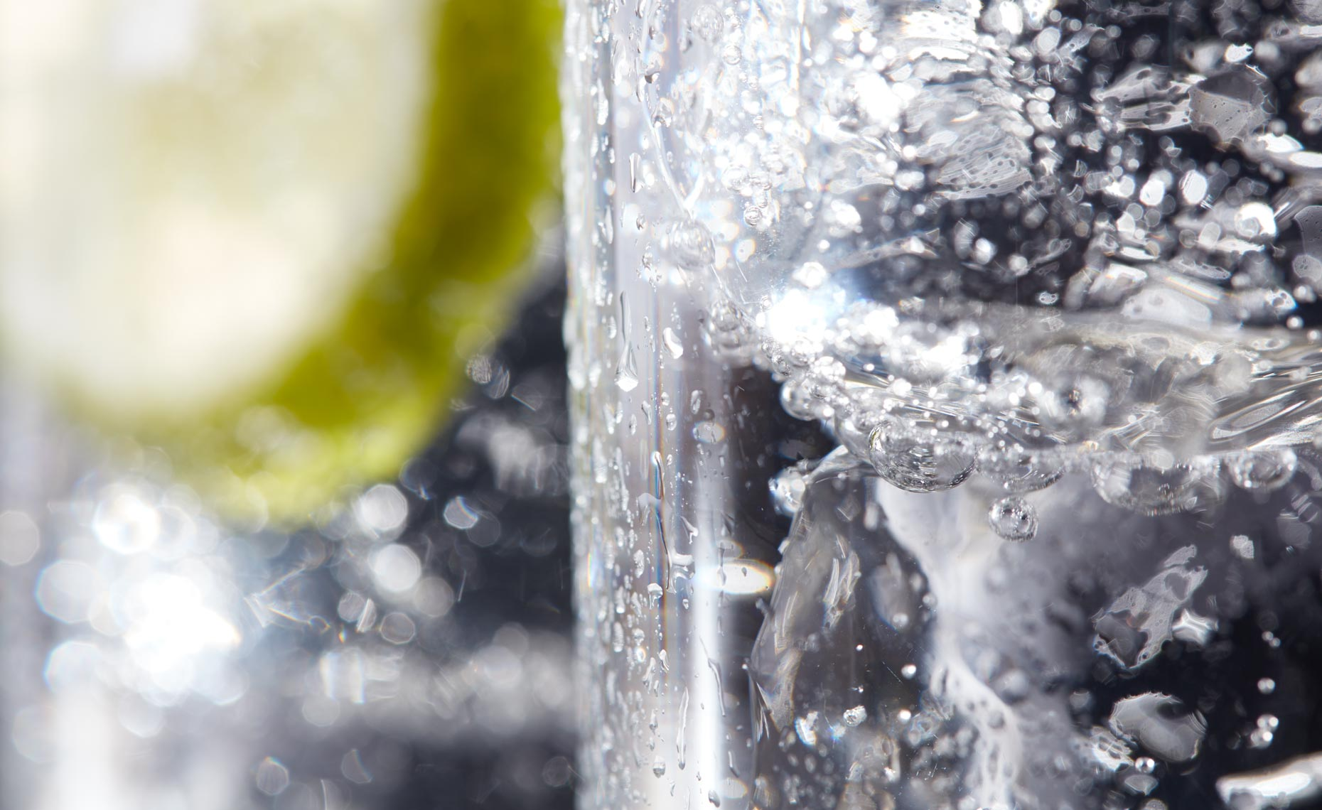 beverage-pour-splash-photographers-lime-fizz-03