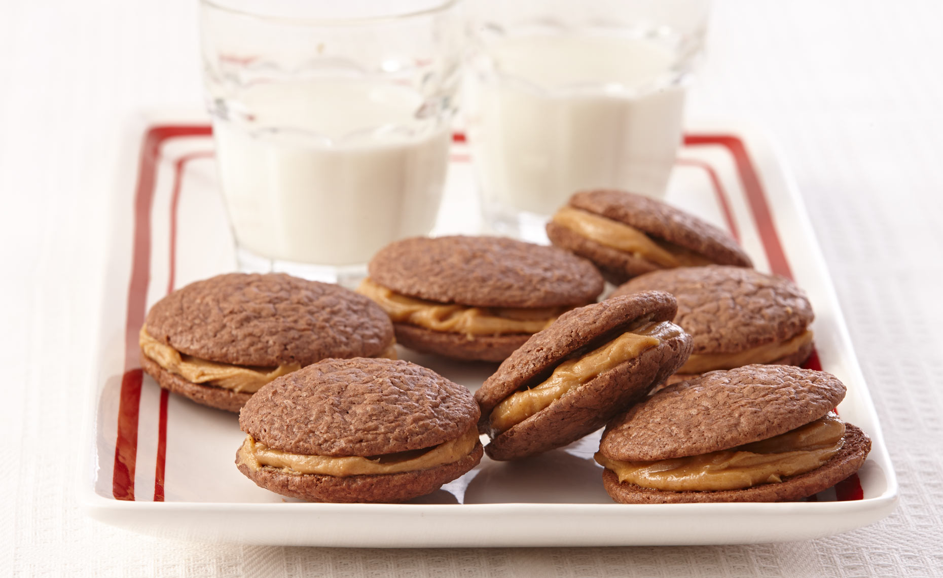 dessert-sweets-photographers-whoopie-pies-peanut-butter-03