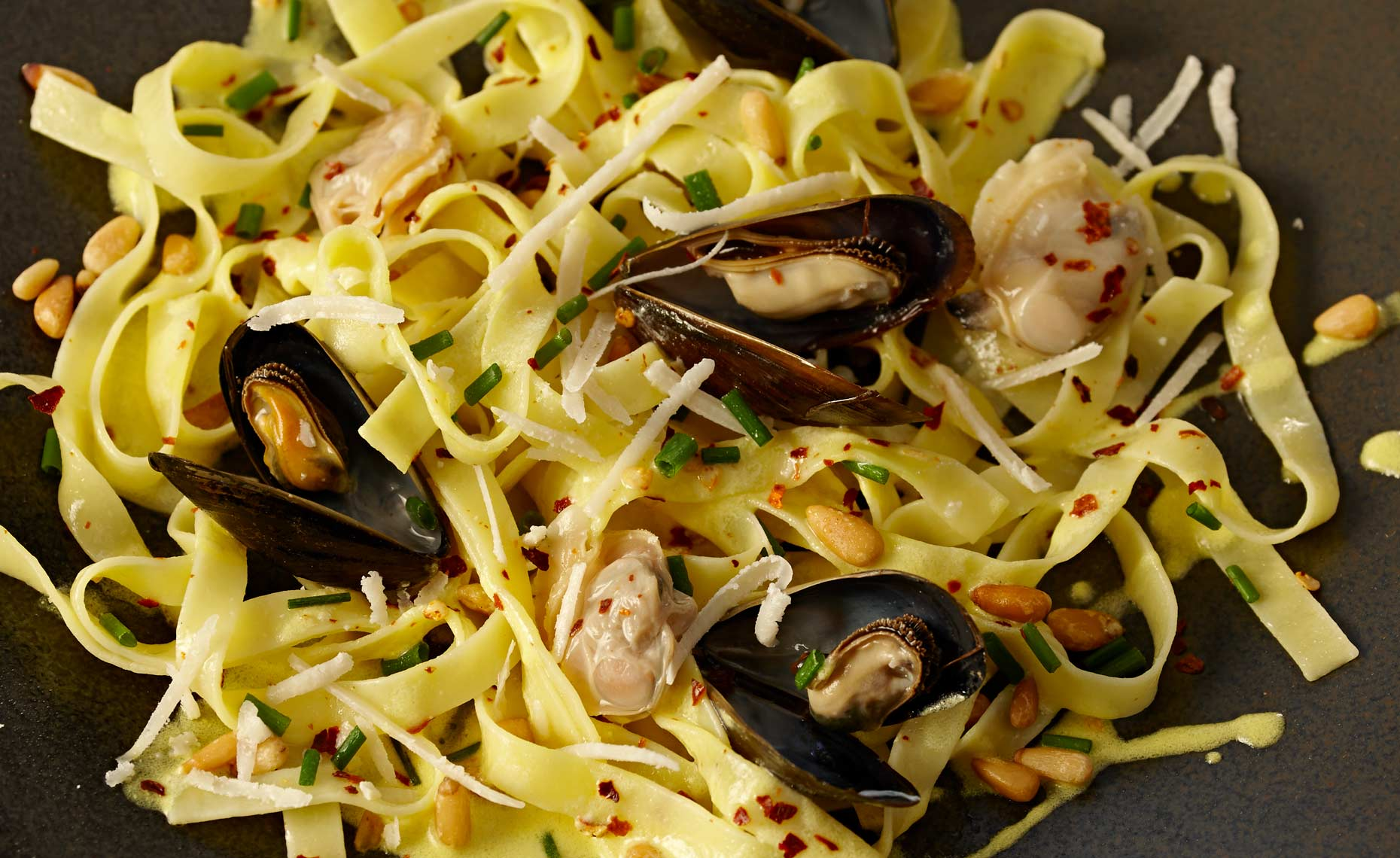 maryland-food-photographers-fettucini-mussels-24