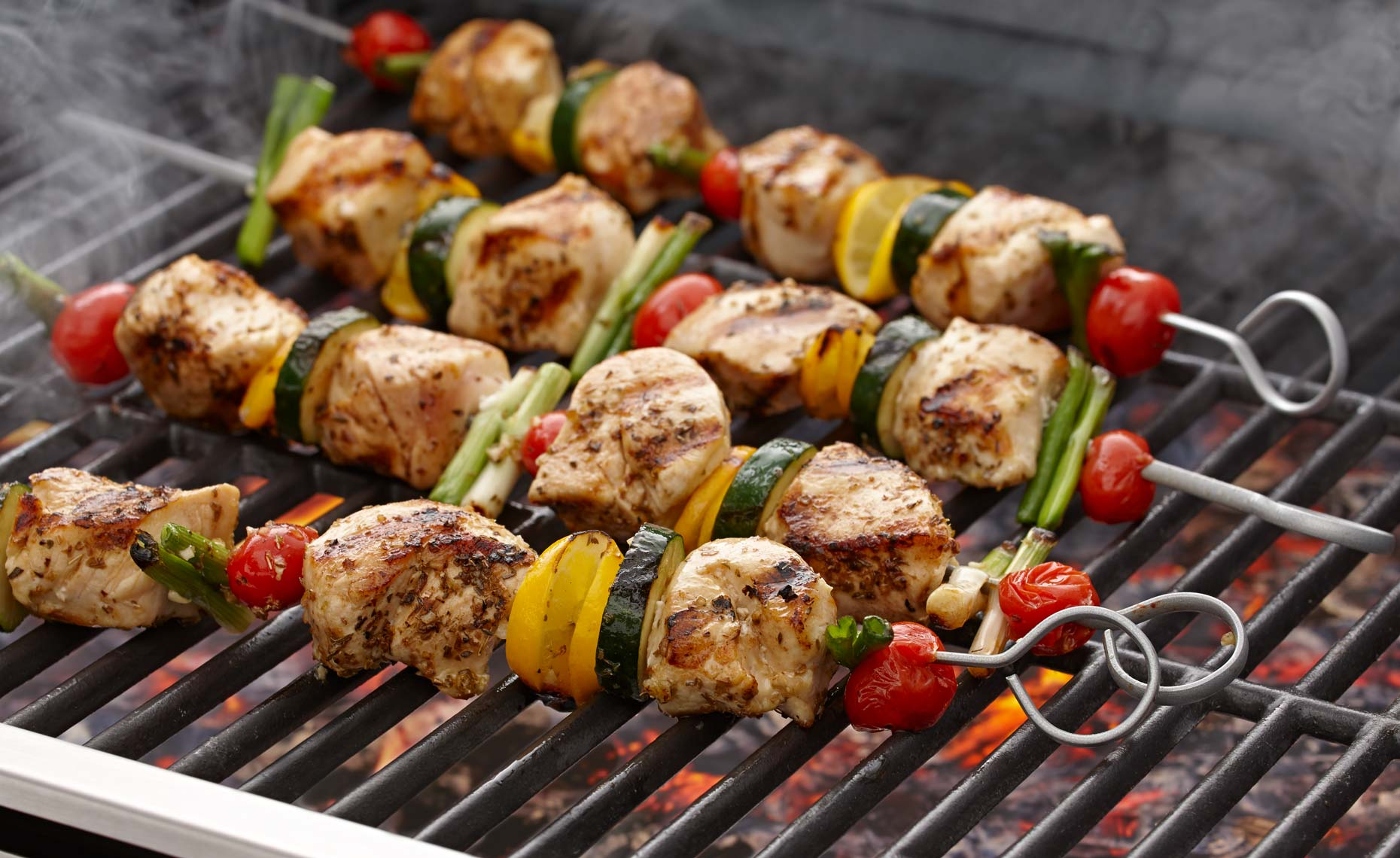 meat-photographers-chicken-vegetable-kebabs-grilled-10