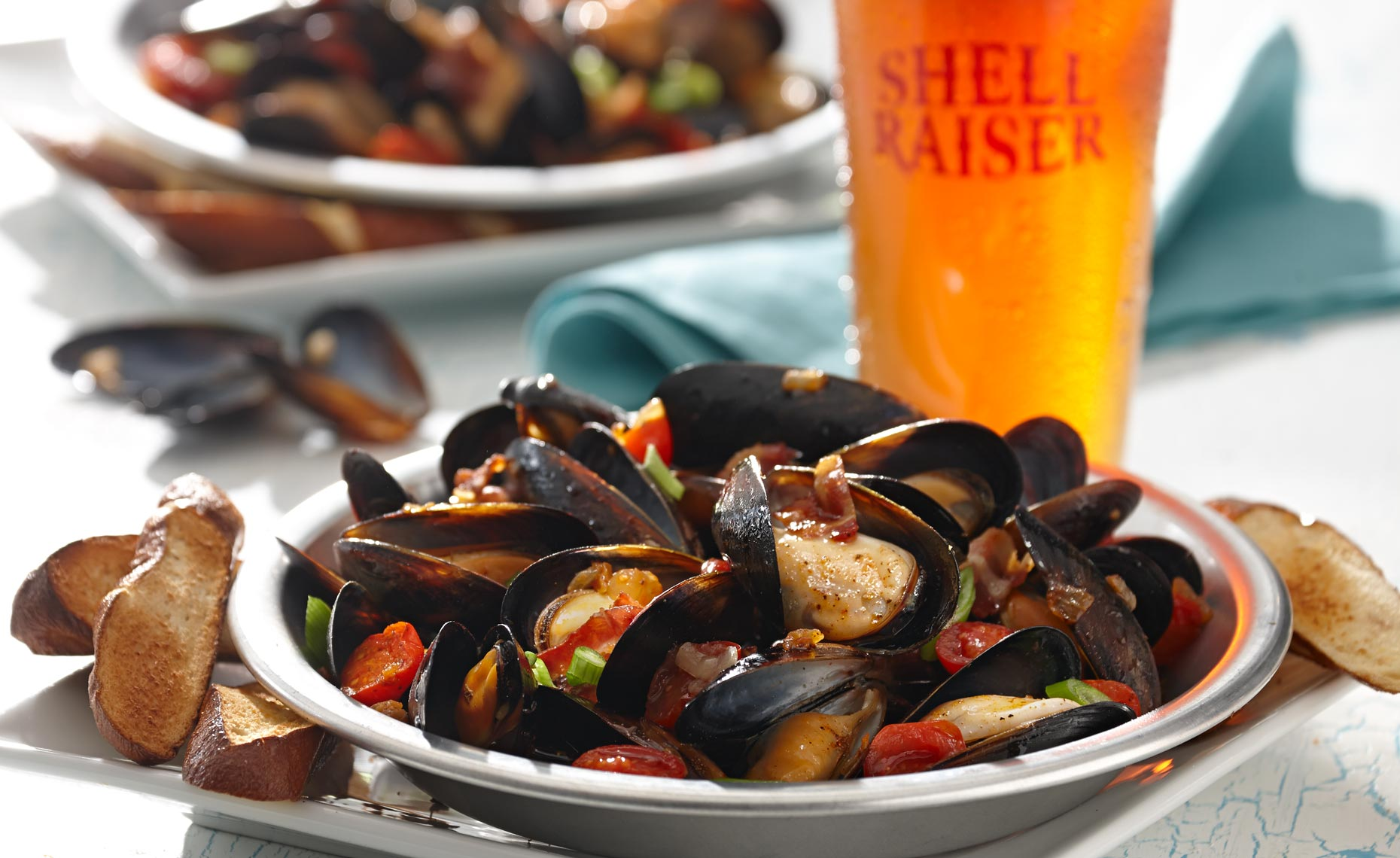 seafood-photographers-mussels-beer-15